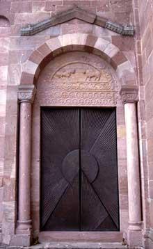 Murbach: portail latéral du transept