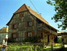 Obermorschwiller: belle ferme sundgauvienne de 1770. (La maison alsacienne)