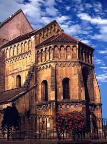 Pfaffenheim: le chevet roman de l'église paroissiale