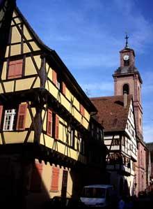 Riquewihr: rue des Trois Eglises. (La maison alsacienne)