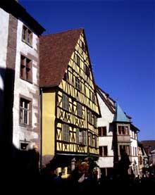 Riquewihr: la maison Jung Selig, la plus haute maison à colombages d'Alsace (1561). (La maison alsacienne)