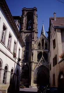 Rouffach: Notre Dame de l'Assomption: vue sur la façade