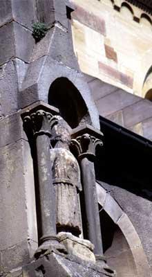 Rouffach: Notre Dame de l'Assomption: détail du portail sud