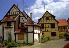 Sainte Croix en Plaine. (La maison alsacienne)
