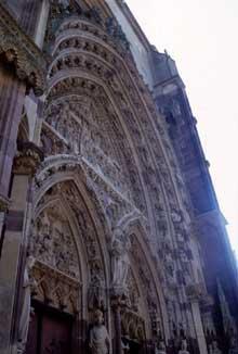 Thann: le portail central