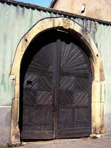 Turckheim: porte vigneronne Grand'Rue. (La maison alsacienne)