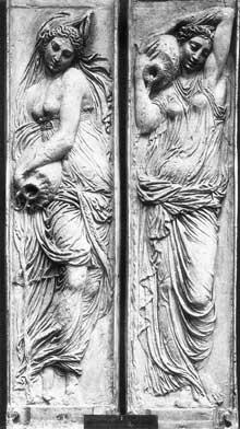 Jean Goujon: Nymphes de la Fontaine des Innocents. 1547-1549, Paris, Musée du Louvre