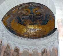 Germigny des Prés: l'oratoire de Théodulfe, évêque d'Orléans. Vers 806. La mosaïque de l'abside