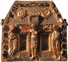 La châsse dite «de PépinII» du trésor de sainte Foy de Conques. Musée de Conques. Fin du IXè