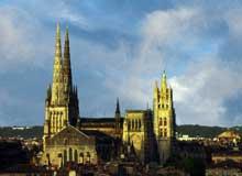 Bordeaux: la cathédrale saint André. Vue générale