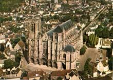Bourges: la cathédrale Saint Etienne. Vue générale