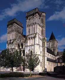 Caen, l'abbaye aux Dames, ou «la Trinité», fondée par la reine Mathilde, épouse de Guillaume le Conquérant vers 1060