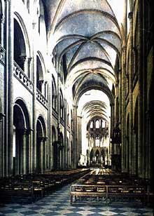 Caen, l'abbaye aux Hommes ou Saint Etienne. La nef