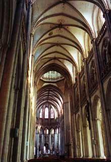 Cathédrale Notre Dame de Coutances. La nef gothique: 1210-1238