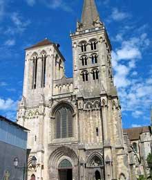 Cathédrale saint Pierre de Lisieux, 1141-1180. La façade occidentale