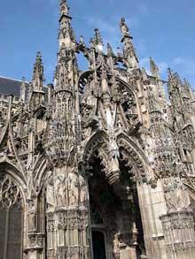 Eglise Notre dame de Louviers: le porche flamboyant