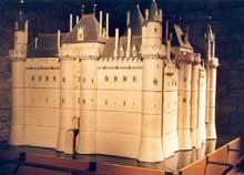 Paris, château du Louvre. Maquette montrant le château du XIVè