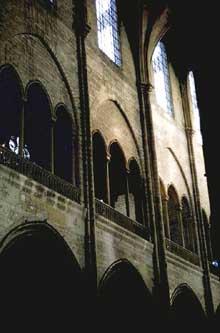 Collégiale Notre Dame de Mante la Jolie: élévation de la nef