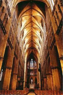 Cathédrale saint Etienne de Metz. La nef centrale