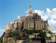 Le Mont Saint Michel: vue générale de l'abbaye