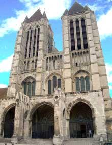 Noyon, cathédrale Notre Dame: la façade occidentale