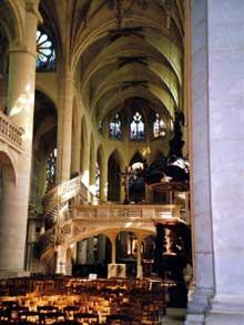 Paris: saint Etienne du Mont. La nef et le jubé