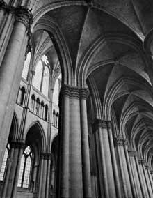 Reims: la cathédrale saint Remy. La nef