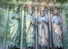 Reims: La visitation. Portail central de la façade occidentale.