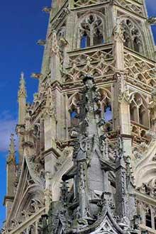 Rouen: saint Maclou. Tour de croisée, détail
