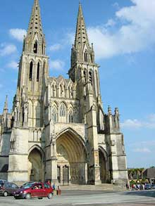 Sées: façade de la cathédrale