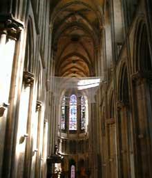 Semur en Auxois. Collégiale Notre Dame. La nef