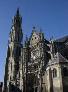 Senlis, la cathédrale. Vue générale