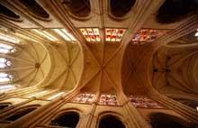 Senlis, la cathédrale. Voûte de la nef