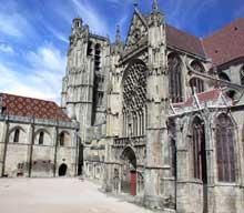 Sens: la cathédrale. Collatéral sud