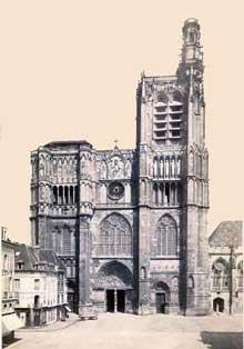 Sens: la cathédrale. Façade occidentale