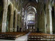 Saint Denis: l'abbaye: la voûte de la nef