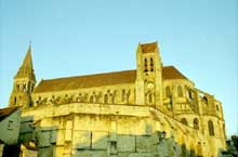 Abbatiale saint Leu d'Esserent. Vue générale