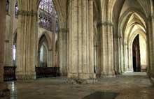 Troyes, cathédrale saints Pierre et Paul. Collatéral nord