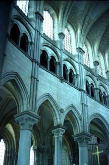 Saint Père sous Vézelay. Eglise Notre Dame. Elévation