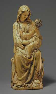 Vierge et enfant, vers 1260–1280. Ivoire avec traces de peinture. 18,5cm. Art français. New York. The Cloisters Collection