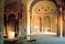 Venasque, Vaucluse : l'église et le baptistère