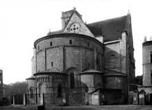 La cathédrale Saint-Caprais d'Agen. Abside et transept nord.