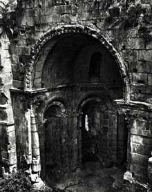 Alet les Bains (Aude): Abbaye – cathédrale, XIIè – XIVè siècles. Abside de la cathédrale-abbatiale