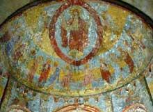 Anzy le Duc, église de la Trinité. L'abside voûtée en cul de four