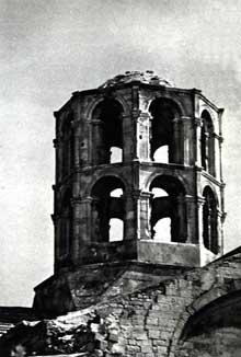 Arles, saint Honorat des Alyscamps: la tour de croisée