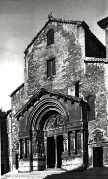 Arles, saint Trophime: Façade de l'église