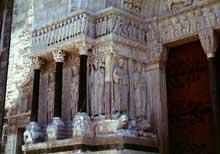 Arles, saint Trophime: la façad