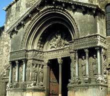 Arles, saint Trophime: la façade