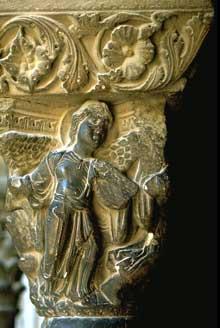 Arles, saint Trophime: le cloître. Chapiteau