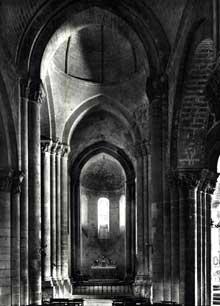 Aulnay du Saintonge: saint Pierre de la Tour. Croisée et chœur